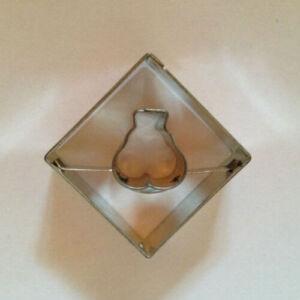 Körte közepű négyzet linzer kiszúró 3,5 cm
