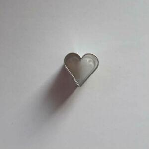 Mini szív linzer közép forma, linzer kiszúró 1,6 cm