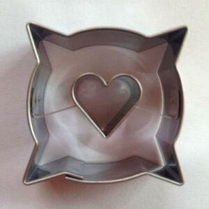 Szív közepű párna alakú linzer kiszúró 3,6 cm