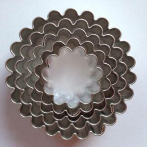 Virág sütikiszúró készlet csomag 5 db-os 5,1 - 4,6 - 4 - 3,3 - 2,5 cm